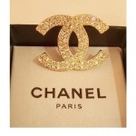 Gold Chic Double C Diamond Brooch1