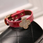 Elegant Diamond Clover Leaf Leather Bracelet (Red)2